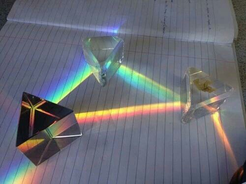 aesthetic, alternative, art, artist, hipster, inspire, light, pale, physics, prism, ray, rays, sun, triangle, fave picture ever