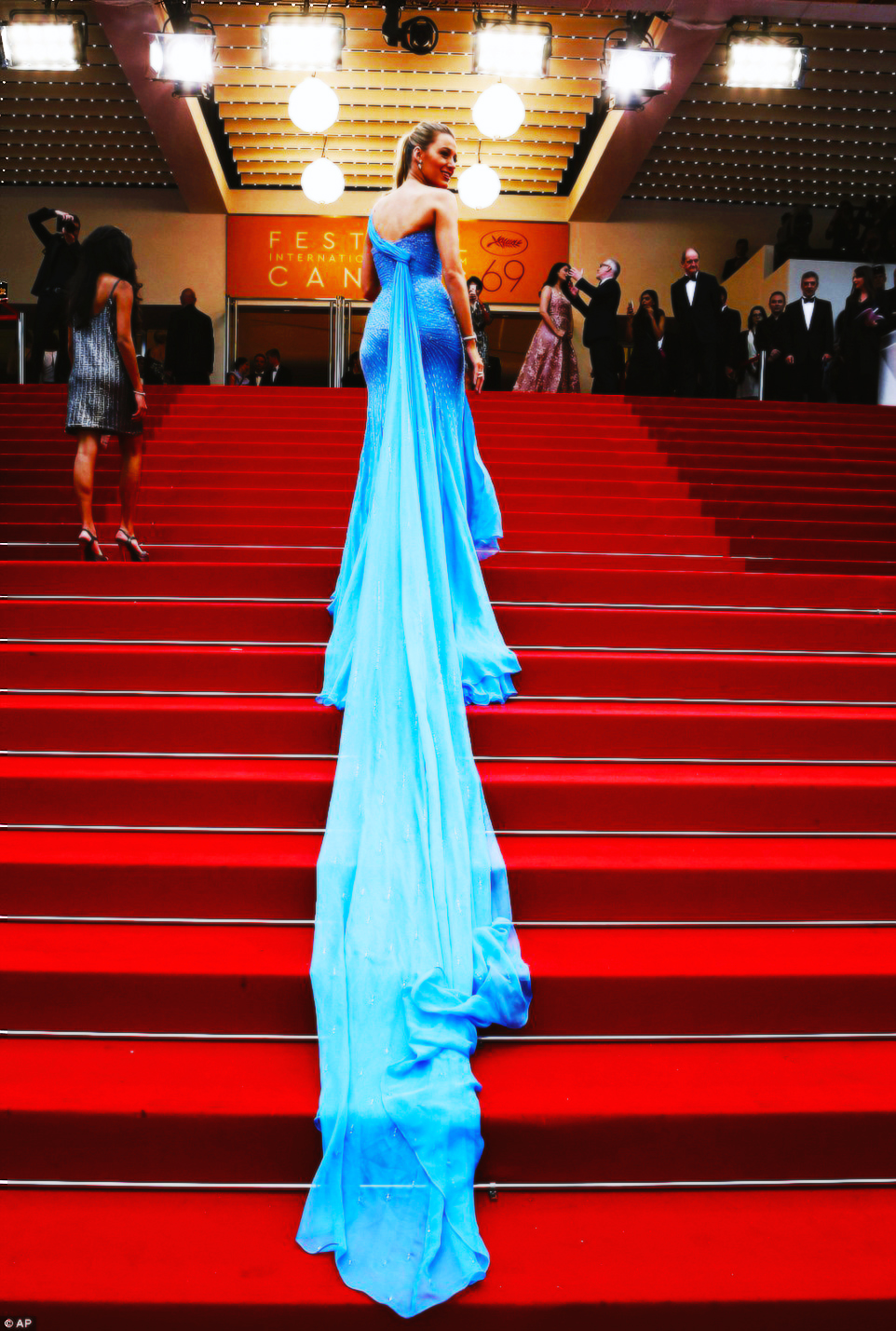 blake lively, cannes, fashion
