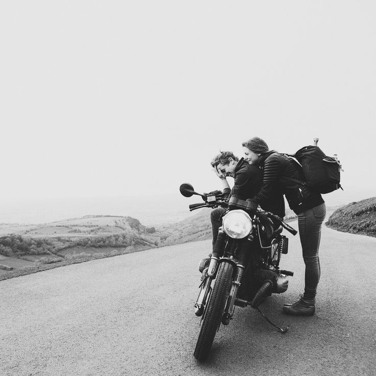 couple, moto and travel