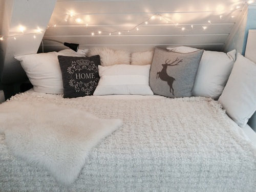 apartment, bed, bedroom, blanket, christmas
