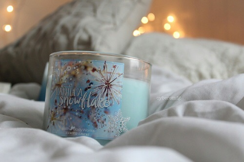bath and body works, bed, blue, candle, christmas