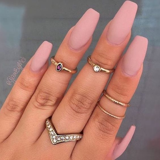 diamonds, gold, light pink, nails, rings