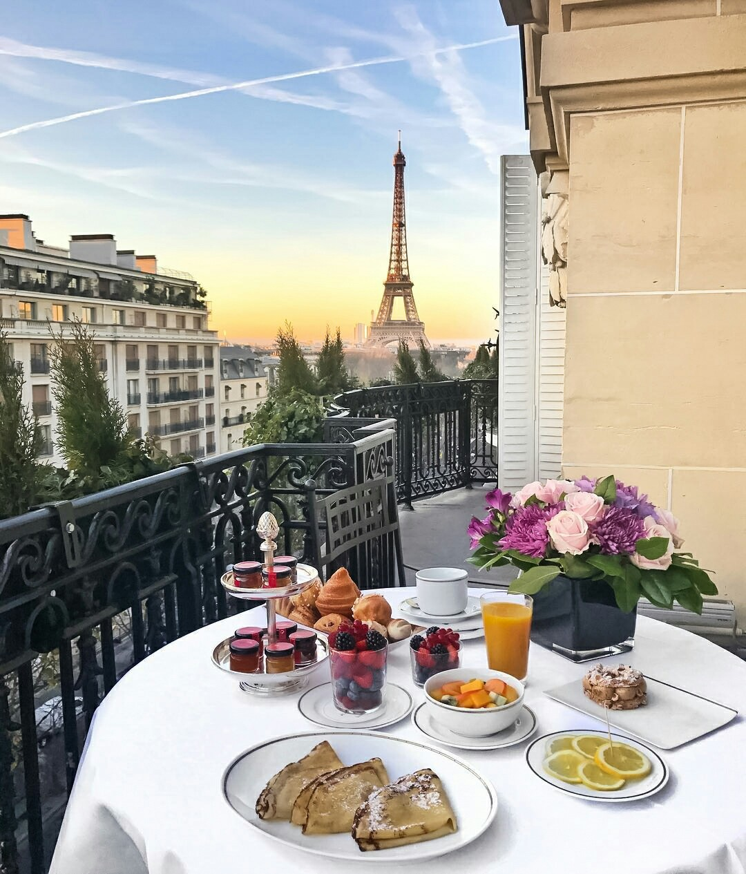 berries, breakfast, desserts, eiffel tower, food