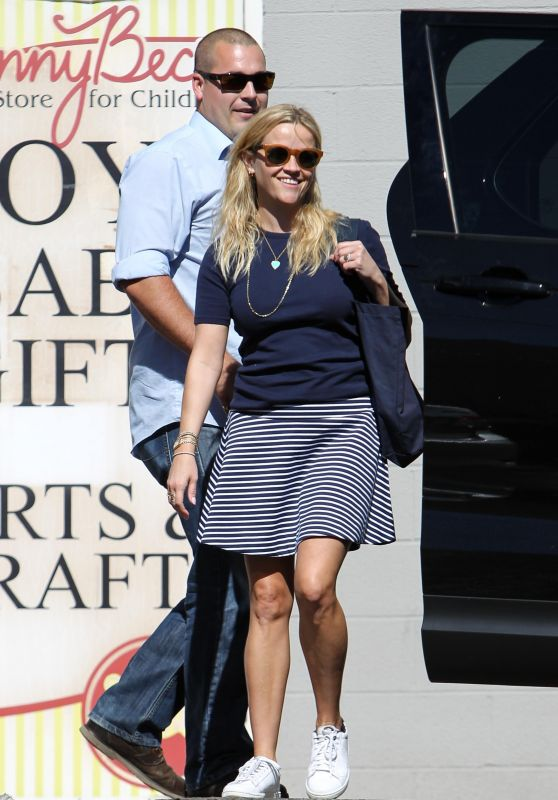 reese-witherspoon and reese-witherspoon-cute-style